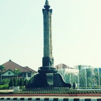 Photo taken at Tugu Muda by Andrie W. on 6/28/2012
