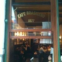 Photo taken at Café Brasilero by Leandro N. on 3/12/2012