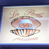 Photo taken at La Perla Pizzeria by Riccardo D. on 9/2/2012