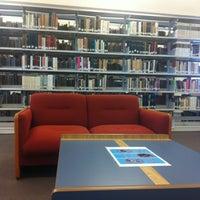 Photo taken at Biblioteca USBI by Diana R. on 8/25/2012