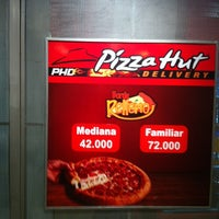 Photo taken at Pizza Hut Delivery PHD by Ricardo P. on 7/14/2012
