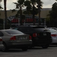 Photo taken at Legal Sea Foods - Boca Raton Town Center by Jimmy C. on 4/27/2012