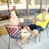 Photo taken at Chilly Billy's Frozen Yogurt by Lossie F. on 9/2/2012