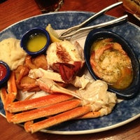 Photo taken at Red Lobster by Tan L. on 3/8/2012