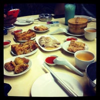 Photo taken at Swee Choon Tim Sum Restaurant by Wolfgang J. Pereira on 7/14/2012
