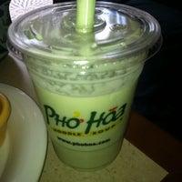 Photo taken at Pho Hoa Noodle Soup by John B. on 4/12/2012