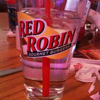 Photo taken at Red Robin Gourmet Burgers by JennyBenny on 7/14/2012