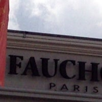 Photo taken at FAUCHON (フォション) 御殿場プレミアムアウトレット店 by Take A. on 3/11/2012
