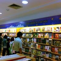 Photo taken at Gramedia by Dyan D. on 9/8/2012