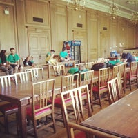 Photo taken at Howard Ferguson Dining Hall (FUNG) by Aimee Q. on 9/2/2012