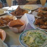 Photo taken at Restoran Haji Ramli Nasi Kandar by Az on 8/17/2012