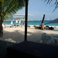 Photo taken at Beachside Villas by Sven W. on 3/26/2012
