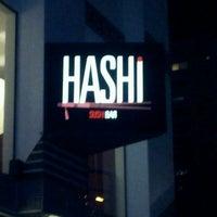 Foto tirada no(a) Hashi Sushi Bar por Carol N. em 4/15/2012