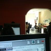 Foto tomada en Human Level Communications por Raúl C. el 7/13/2012