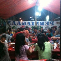 Photo taken at Seafood Perniagaan 88 by SesQuipedalop on 7/25/2012