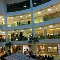 Photo taken at Shopping Leblon by Newton G. on 4/23/2012
