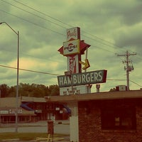 Photo taken at Paul's Drive In by Vanhumbolt on 4/22/2012
