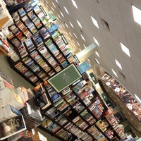 Photo taken at Barnes & Noble by Chuy on 5/6/2012