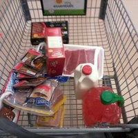 Photo taken at Food Lion Grocery Store by Josmar H. on 2/25/2012