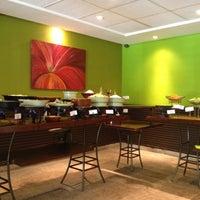 Photo taken at Limone Restaurante e Café by Fernando C. on 5/5/2012