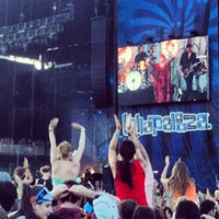 Photo taken at Lollapalooza Bud Light Stage by Juan Pablo G. on 8/6/2012
