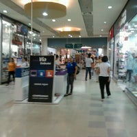 Photo taken at Buriti Shopping by Hiroshi K. on 3/23/2012