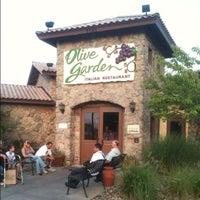 Photo taken at Olive Garden by Nicholas C. on 8/28/2012