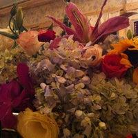 Photo taken at Café Gác Hoa by Kerin J. on 5/17/2012