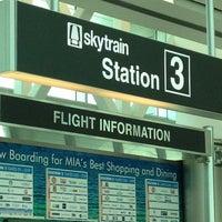 Photo taken at Concourse D by EnriKe K. on 6/16/2012