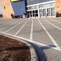 Photo taken at Best Buy by Jacky V. on 3/16/2012