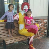 Photo taken at McDonald's by Arch Tecs on 3/17/2012