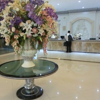Photo taken at Miracle Suite by Sujittra P. on 8/17/2012