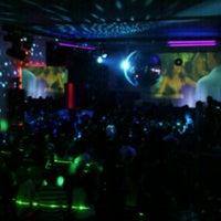 Foto tomada en Infinity Love Bar por Lennox R. el 7/1/2012