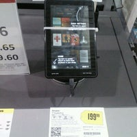 Photo taken at Best Buy by Chez S. on 3/3/2012