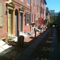 Photo taken at Elfreth's Alley Museum by Holly P. on 4/6/2012