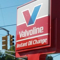 Photo taken at Valvoline Instant Oil Change by Marvin J. on 9/10/2012