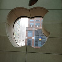 Photo taken at Apple North Michigan Avenue by Maria G. on 3/25/2012