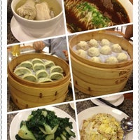 Photo taken at Din Tai Fung by Cookie I. on 4/11/2012