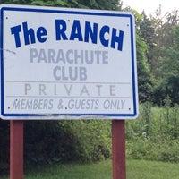 Das Foto wurde bei The Blue Sky Ranch   Skydive The Ranch von Lc P. am 6/23/2012 aufgenommen