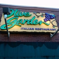 Photo taken at Olive Garden by AMO on 9/10/2012