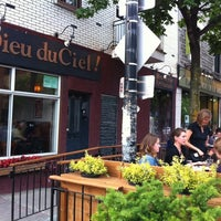 Photo taken at Dieu du Ciel! by Fabricio P. on 6/6/2012