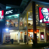 Photo taken at KFC by ふぁみ S. on 2/13/2012