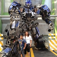 Photo taken at Transformers The Ride: The Ultimate 3D Battle by Norhasikin A. on 6/13/2012