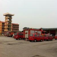 Photo taken at Balai Bomba & Penyelamat Seksyen 15 by Toh bern h. on 7/31/2012