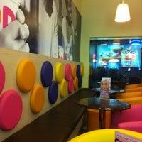 Photo taken at Dunkin' Donuts by Татьяна К. on 4/26/2012