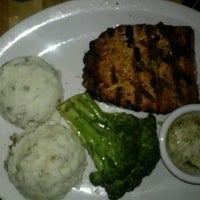 Photo taken at Logan's Roadhouse by Maurice C. on 9/1/2012