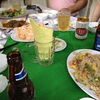 Photo taken at Hoằng Long Restaurant by QP i. on 3/1/2012
