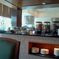 Photo taken at Warisan Cafe Royale Chulan by Hafiiz J. on 3/1/2012