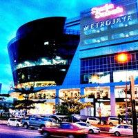 Photo taken at Suria Sabah Shopping Mall by Simon C. on 2/12/2012