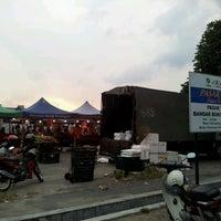 Photo taken at Pasar Bukit Sentosa by Che' P. on 7/6/2012
